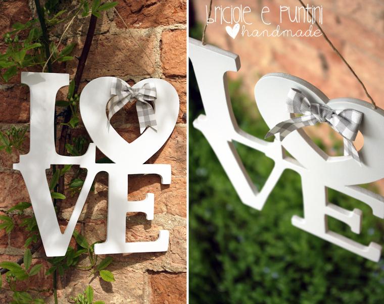 Love scritta in legno briciole e puntini for Scritta home in legno