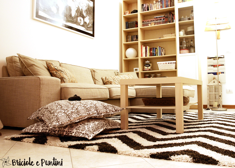 Cucire un copricuscino e rinnovare il salotto con un tappeto for Tappeto salotto