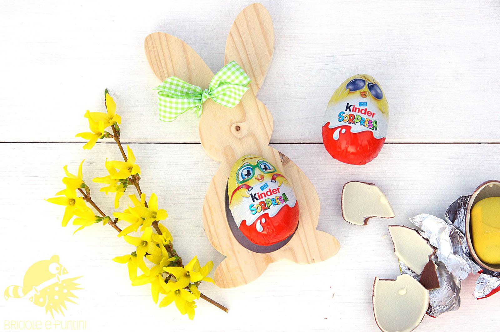 Conigli pasquali porta ovetti in legno briciole e puntini for Porta kinder